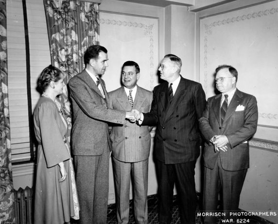 (11571) 1943 Eastern Labor Press Conference