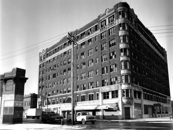 (WSAV002727_002) Poletown, Architecture on E. Grand Blvd., 1981