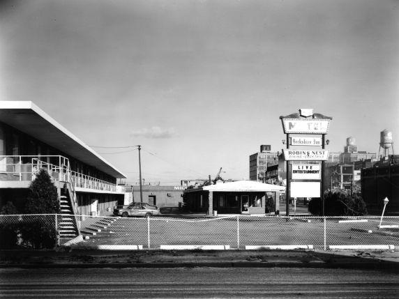 (WSAV002727_032) Poletown, Businesses, 1981