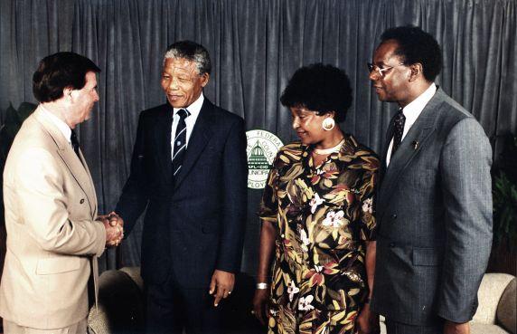 (11993) Mandela at AFSCME Convention