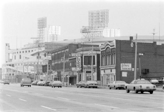 (vmc28912) Michigan Avenue, Near Trumbull, Detroit, 1977